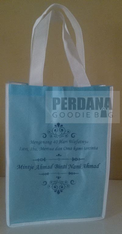 Goodie Bag Spunbond Batik contoh gambar tas souvenir goodiebag tas kanvas tas