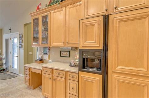 Beech Wood Kitchen Cabinets What Type Of Wood Cabinets Are These Beech Or Maple