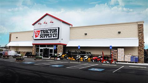 tractor supply sinking spring tractor supply growth accelerates heading into spring