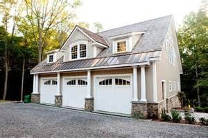carriage house yankee barn homes and barn homes on pinterest three car garage building plans three best home and
