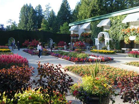 foto di giardini fioriti giardini fioriti immagini progettazione giardini