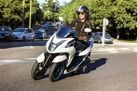 125 Motorrad Dreirad by Erster Dreirad Roller Yamaha News Motorrad