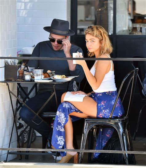 sarah hyland takes out her sarah hyland and her boyfriend out in studio city 02