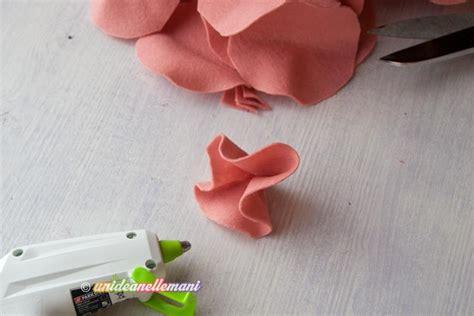 fiore in pannolenci come fare un grazioso vaso con fiori in feltro