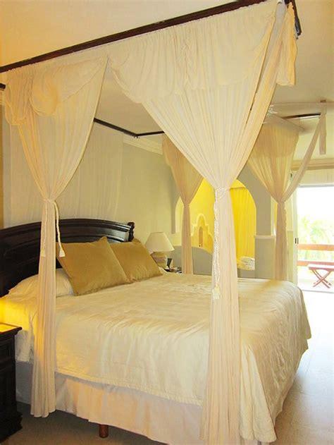 nice king size bed el dorado royale riviera maya mexico who do i do