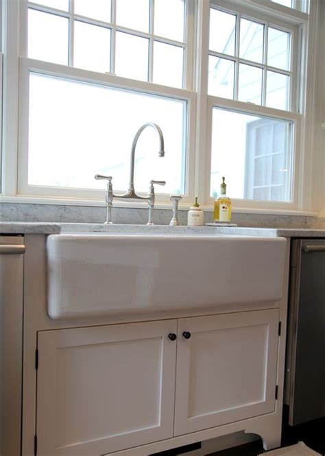 How To Beat Kitchen Sink Farm House Sink For The Home Pinterest