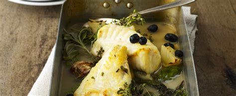 cucinare coda di rospo al forno coda di rospo al forno con olive ricetta agrodolce
