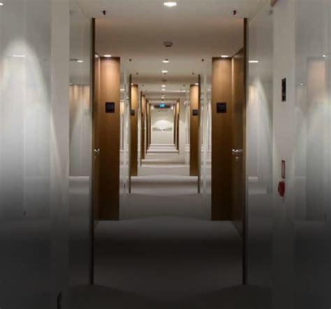 porte rei per alberghi porte rei porte antincendio porte per alberghi