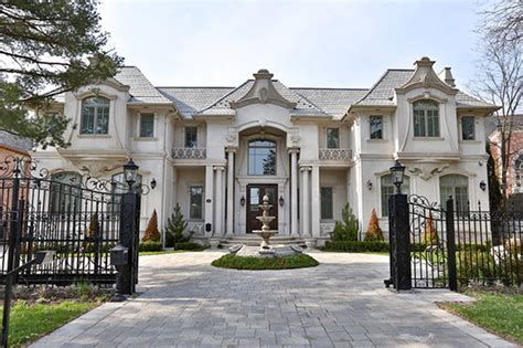 Toronto Is The World S Hottest Luxury Real Estate Market Luxury Homes Ontario