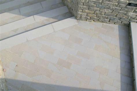 pietra da interno pavimenti in finta pietra per interni