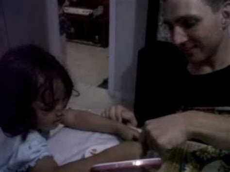 Nada A Years Old Little Girl Teaches Indonesian Language To An American Guy Gp Youtube