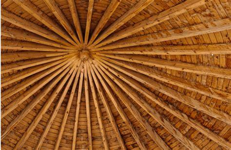 travi legno soffitto trasformare le travi in legno soffitto con l uso