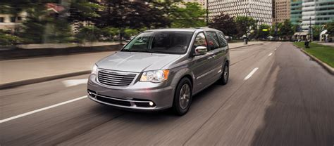 chrysler town and country reviews 2016 chrysler town and country review