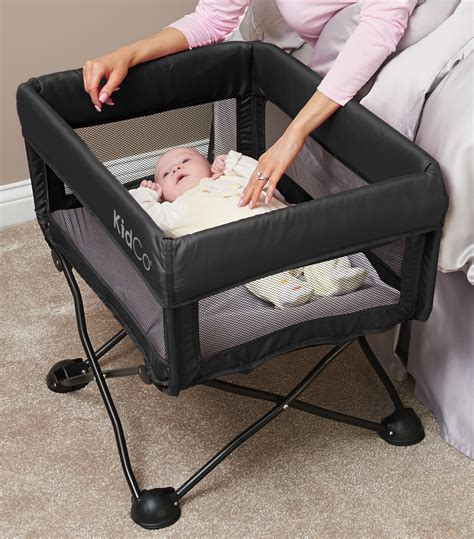 portable baby bed travel dreampod 174 travel bassinet
