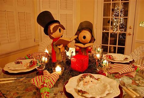 dip and drape christmas table setting with dip and drape carolers