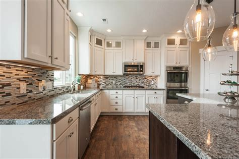 Schrock Kitchen Cabinets by 1000 Ideas About Caledonia Granite On Pinterest Granite