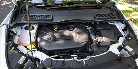 Variasi Mobil Variasi Engine Bay ford kuga titanium 2016 autofresh portal berita