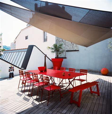 cargo hi tech tavoli scopri tavolo cargo cedro di fermob made in design italia