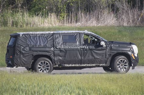 Chevrolet Suburban 2020 by 2020 Chevy Suburban Spyshots Reveal New Independent Rear