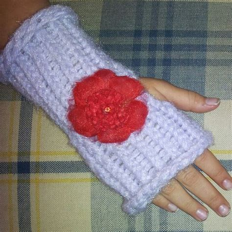 how to loom knit baby mittens loom loom knit and gloves on