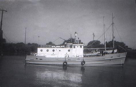 Donat Boat Zebec Lite our vessel t 439 sea scout ship gryphon