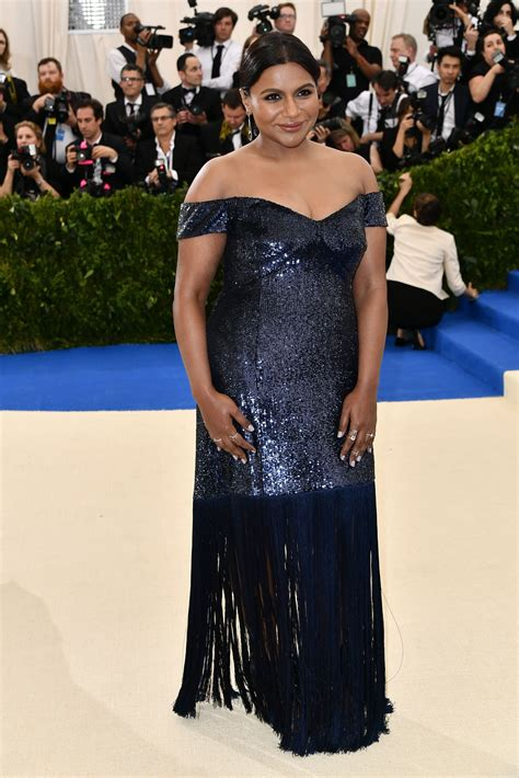 mindy kaling jewelry met gala 2017 red carpet live all the celebrity dresses