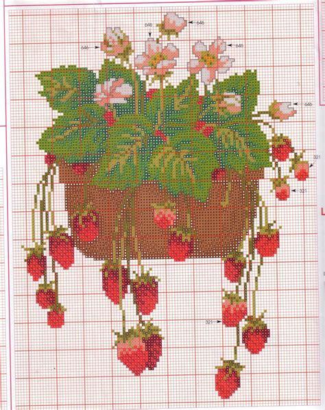 vaso per fragole frutta fragole in vaso magiedifilo it punto croce