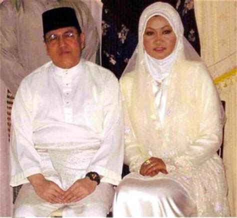 Dr Faris 202 pemuda besut hina mahkamah isteri kedua sultan kelantan