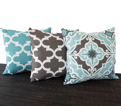 Pillows To Go With Brown by 25 Best Ideas About Brown Teal On Fall