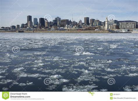 fotos montreal invierno horizonte de montreal en invierno imagen de archivo