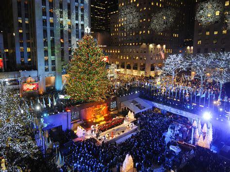 rockefeller center christmas tree lighting live the rockefeller center tree lights up cbs news