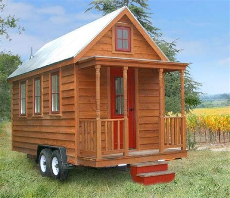 building a tiny house welcome to my future home youtube 思い立ったら旅に出よう 車で移動できるコンパクトハウス think future