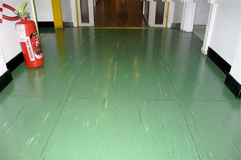 pavimento linoleum pavimenti vecchi 8 diverse soluzioni per il recupero