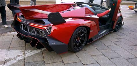 That Pay Enough To Buy A Lamborghini 3 3 Million Lamborghini Veneno Spyder Has Curb