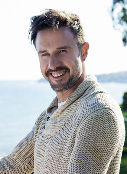 No David Arquette Is Not A Regulation Hottie by Charitybuzz Grab 4 Friends And Let David Arquette Treat