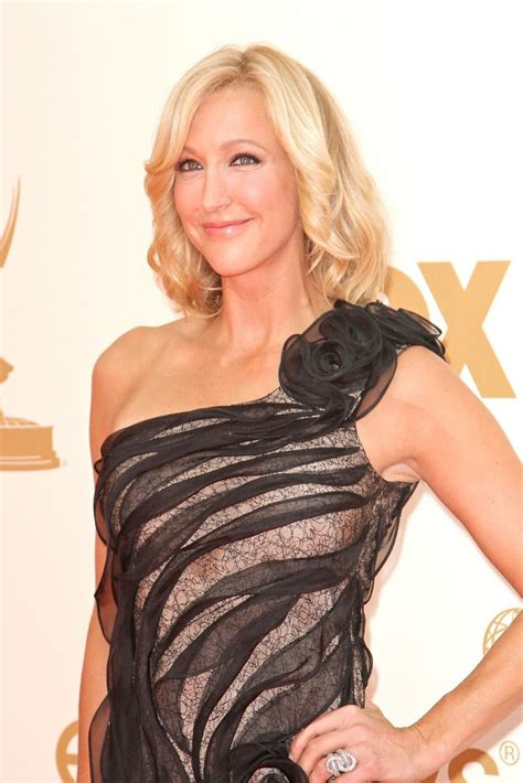 lara spencer lara spencer picture 14 the 63rd primetime emmy awards arrivals
