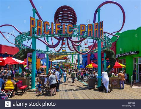 theme park los angeles entrance to pacific park fairground on santa monica pier