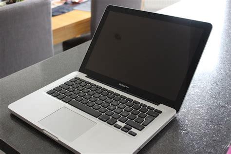 Macbook Pro Second 2 Duo macbook pro 13 inch photoshop illustrator office 2 4ghz intel 2 duo 4gb ram in