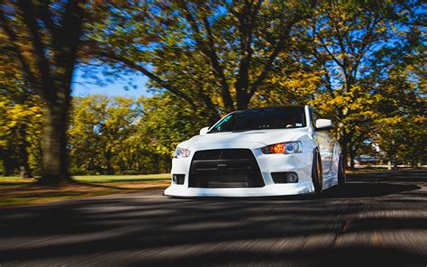 white mitsubishi evo wallpaper wallpapers mitsubishi lancer evo x white motion auto front