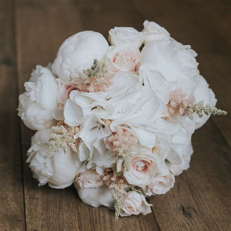 May Wedding Flower Ideas by May Wedding Flowers Beautiful Blooms For Your May Wedding