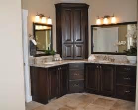 Master bathroom vanity with corner cabinet upper and