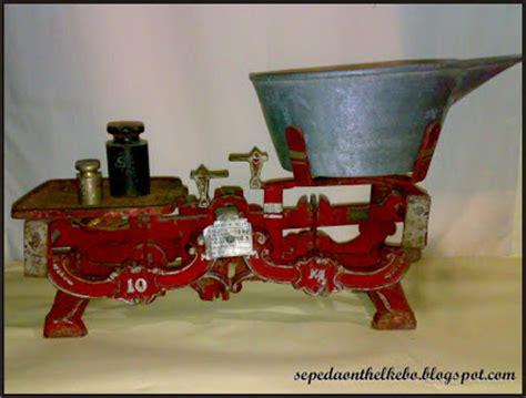 Timbangan Kuningan timbangan jadoel motif unik terjual barang antik klasik
