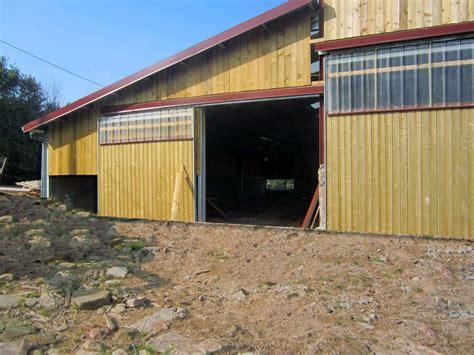 Hangar Agricole Prix by Hangar Avec Bardage Bois Et Translucides En Facade