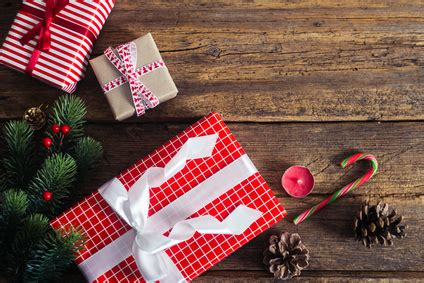 Are Gift Cards Bad Gifts - unpopular opinion gift cards are bad gifts sass balderdash