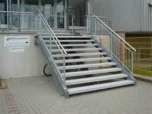 stahl treppe stahlkonstruktion f 252 r treppen aus beton naturstein und