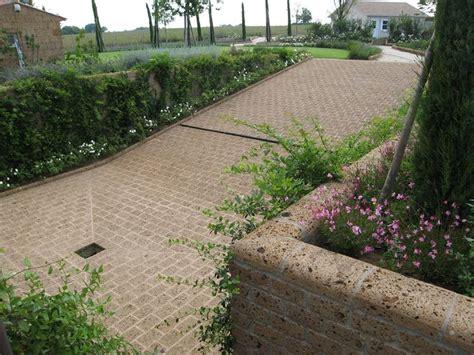 lapilli vulcanici per giardino mattoni di tufo giardinaggio caratteristiche dei