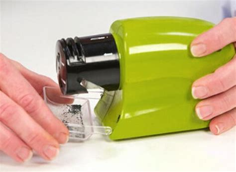 Pengasah Pisau Elektrik Swifty Sharp Hijau Motorized Knife Sharpener swifty sharp cordless electric knife sharpener pengasah pisau elektrik otomatis hijau hitam