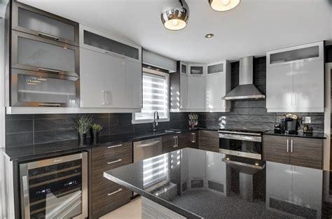 comptoir de cuisine quartz ou granit choisir comptoir de granit quartz ou dekton