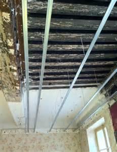 pose de plaque de pl 226 tre placo au plafond les 233
