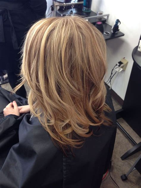 natural blonde hair with lowlights natural looking highlights and lowlights on dirty blonde